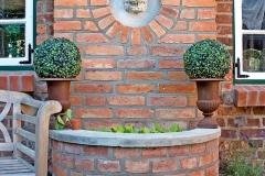 Brunnen auf der Terrasse-min