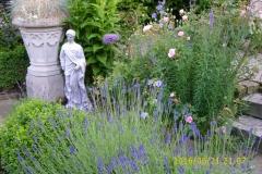 Im Klostergarten-min
